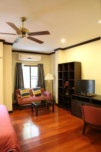 Belleville Apartment photo 8