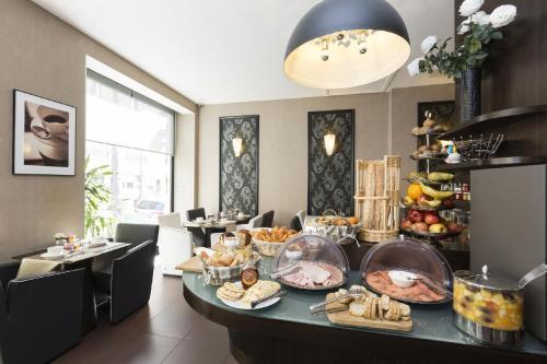 Hotel Elysées Bassano photo 11