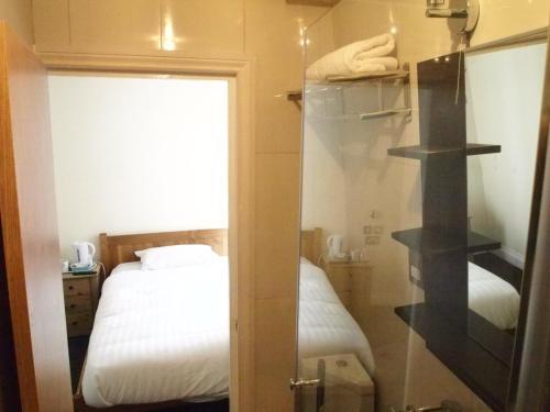 Earls Court Garden Hotel photo 24