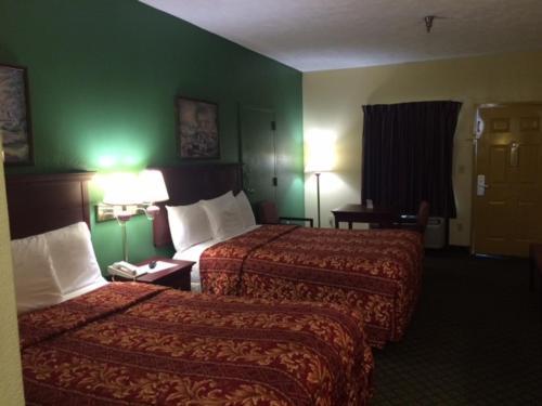 Rodeway Inn & Suites Grenada - Grenada, MS 38901