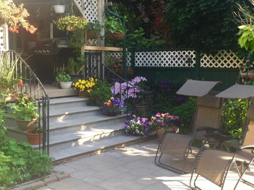 Queens Landing Guest House - Kitchener, ON N2H 2H8