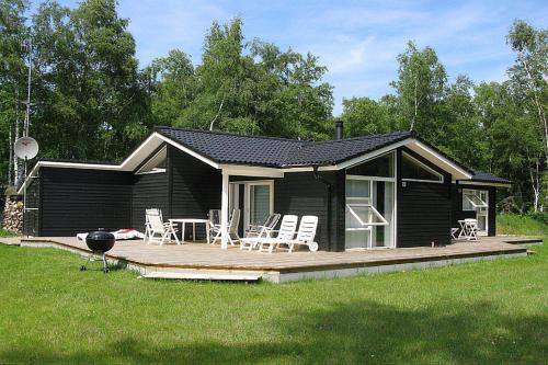 Three-Bedroom Holiday Home Langvarigheden with a Sauna 06