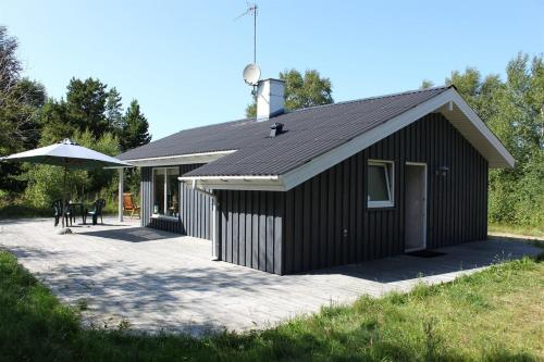 Two-Bedroom Holiday Home Knoldevej 05