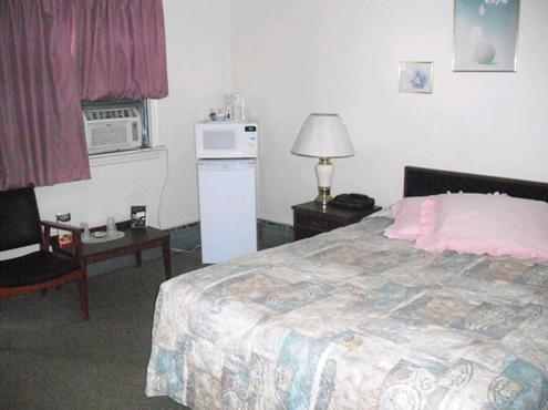 Bluewater Motel - Sarnia, ON N7T7H2