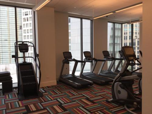 Corporate Suites Network - 845 N State - Chicago, IL 60601