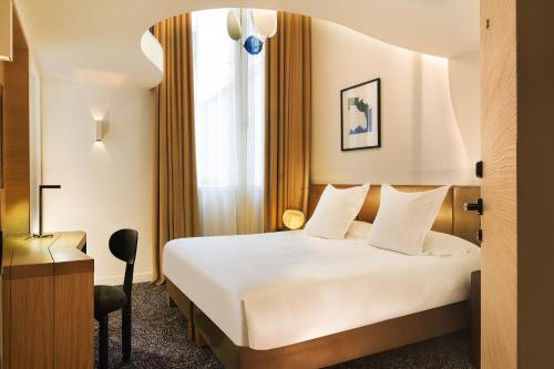 Hotel Marignan Champs-Elysées photo 33