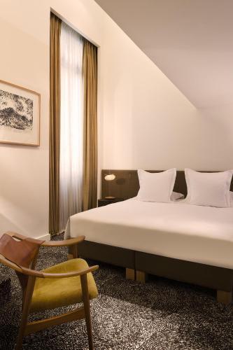 Hotel Marignan Champs-Elysées photo 34