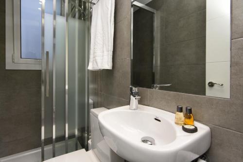 Mercedes Heritage Best Barcelona Apartments photo 8