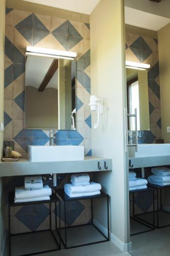 Double or Twin Room Hotel Mas De Cebrian 7