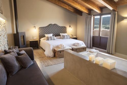 Suite Junior con terraza Hotel Mas De Cebrian 13