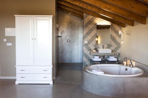 Junior Suite with Terrace Hotel Mas De Cebrian 10