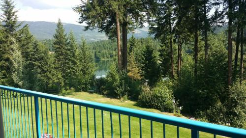 Dutch Lake Motel And Rv Campground - Clearwater, BC V0E 1N2