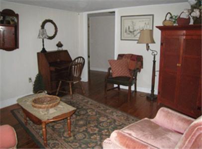 Stagecoach Inn - Preston, CT 06365