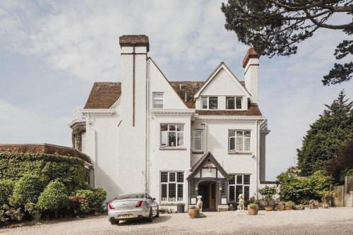 1 Western Terrace, Falmouth, Cornwall, TR11 4QJ, England.