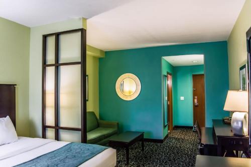Comfort Suites Fairgrounds - Casino Photo