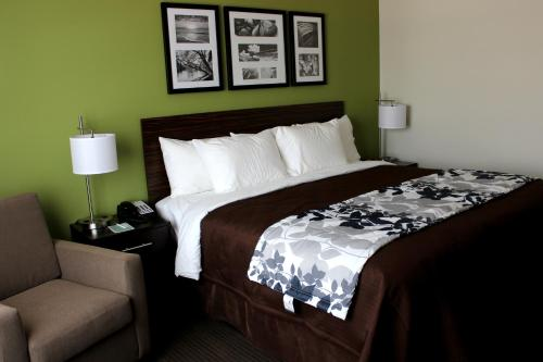Sleep Inn & Suites Photo
