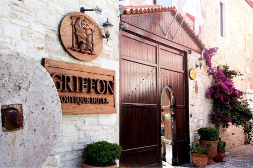 Yenifoca Griffon Hotel adres