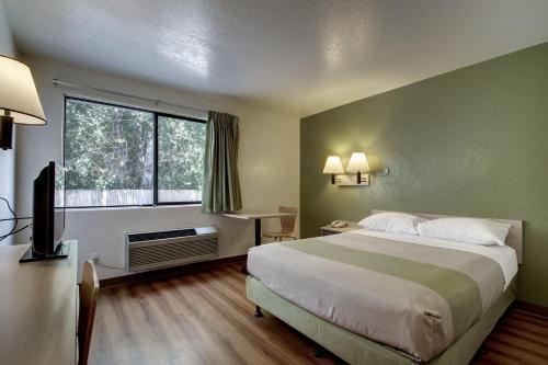 Motel 6 - Ogden Photo