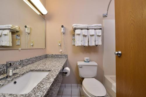 Quality Inn - Coralville Photo