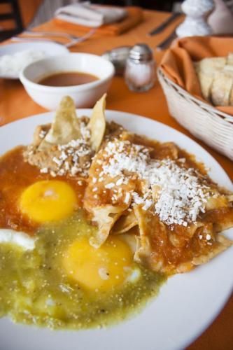 Hotel Puerta Del Sol Guadalajara Photo