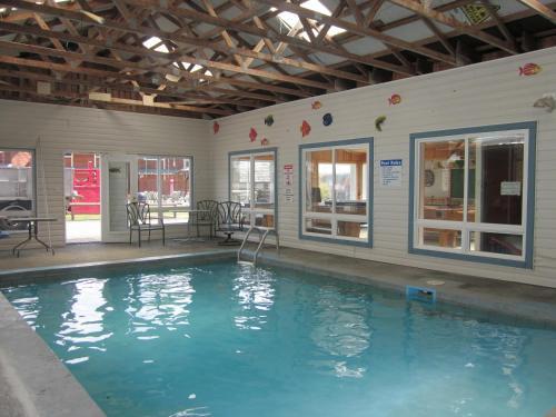Oceanside Resort - Powell River, BC V8A 0S1