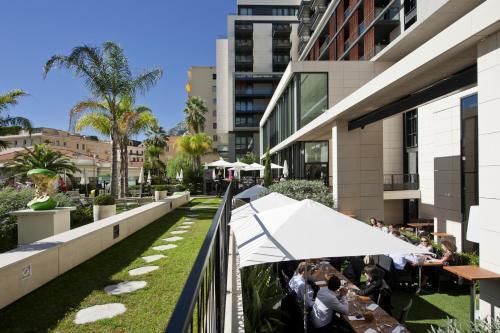 Novotel Monte Carlo, 16 Boulevard Princesse Charlotte, 98000 Monaco