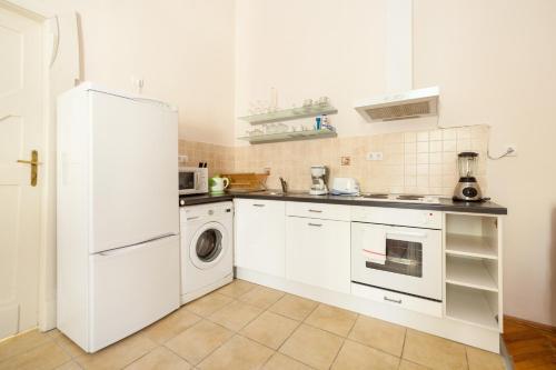 Budapestay Apartments photo 54