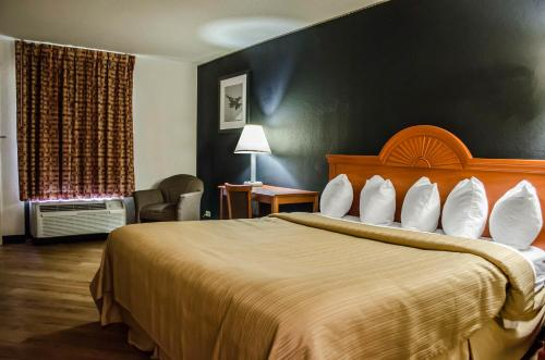 Quality Inn At Eglin AFB Photo