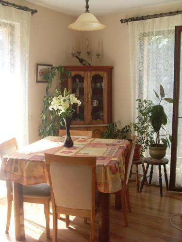 Greek Neighbourhood Apartment