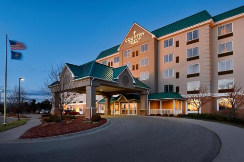 Country Inn & Suites by Radisson, Grand Rapids East, MI Photo