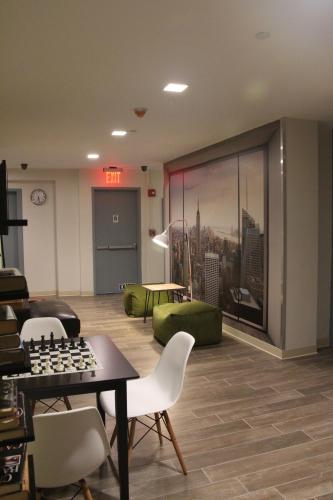 Jazz on Columbus Circle Hostel Photo
