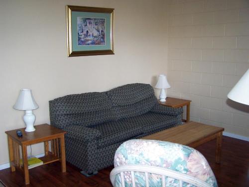 Sun Beach Motel - Osoyoos, BC V0H 1V3