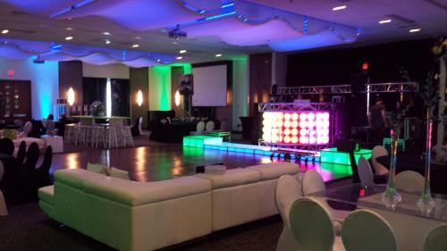 Aloft Mount Laurel Hotel