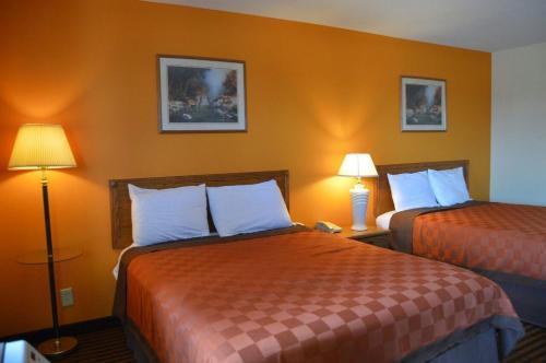 Scottish Inn & Suites Photo