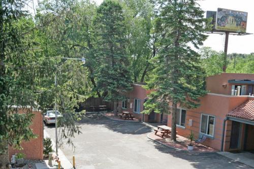 Rainbow Lodge And Inn - Colorado Springs, CO 80904