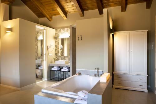 Suite Junior con terraza Hotel Mas De Cebrian 3