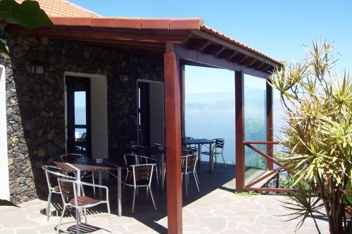 Barlovento, 18, 38916 Mocanal, El Hierro, Canary Islands, Spain.