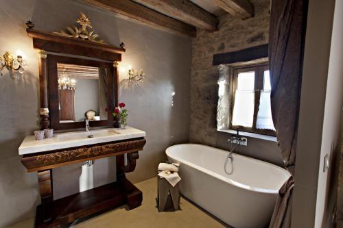 Superior Room La Vella Farga Hotel 11