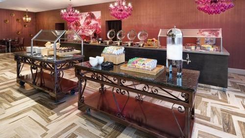 DoubleTree by Hilton Orlando East - UCF Area photo 7