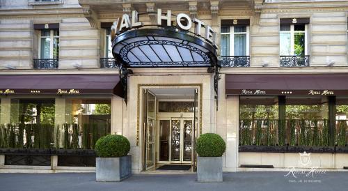 Royal Hotel Paris Champs Elysées photo 11