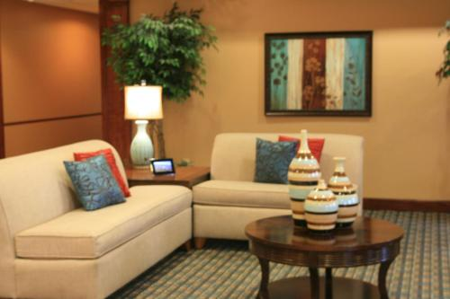 Microtel Inn & Suites By Wyndham Starkville - Starkville, MS 39759