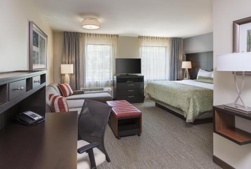 Staybridge Suites Canton Photo