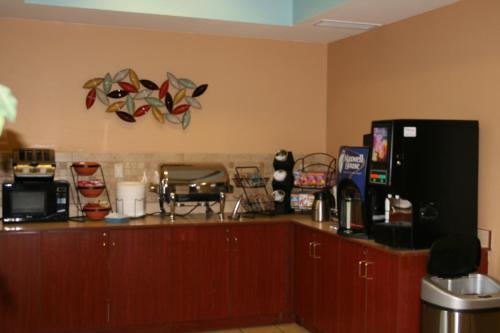 Microtel Inn & Suites by Wyndham Starkville Photo