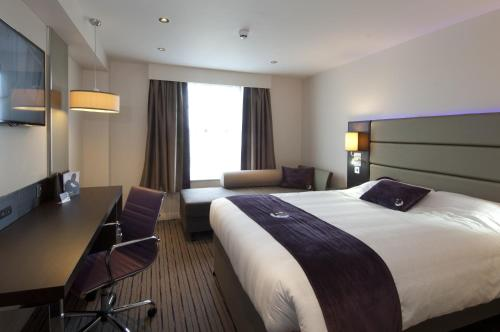 Premier Inn London Edgware photo 5