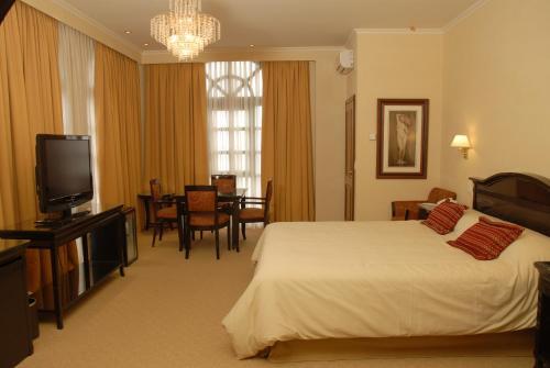 Status Hotel Casino Photo