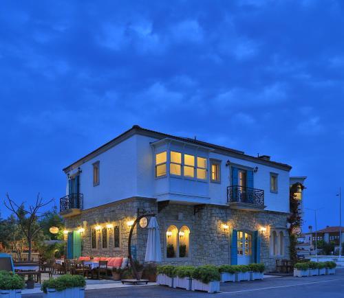 Top 8 boutique hotels in alacati turkey trip101 for Design boutique hotel alacati