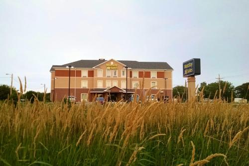 MainStay Suites Grand Island Photo