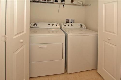 Las Fuentes Apartment 1051 - Kissimmee, FL 34746