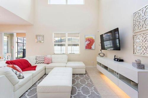 Dharma Holiday Home - Kissimmee, FL 34746