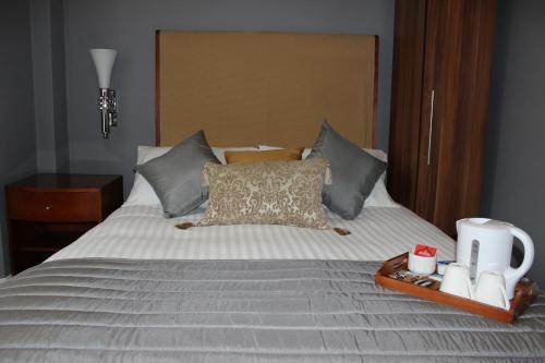 Ambassador Court Hotel
